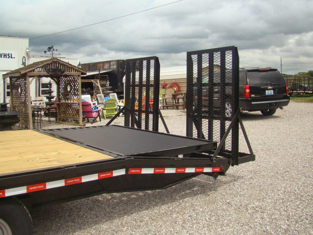 gooseneck flatbed trailer with adjustable dovetail